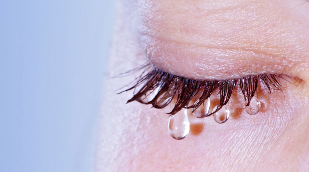 знакомый человек плачет во сне
