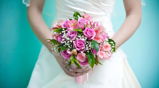 Картинки по запросу Выбор цветов: на что обратить внимание и как выбрать идеальный свадебный букет?